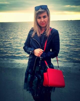 Олена Греськів