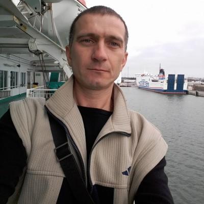 Александр Демиденко