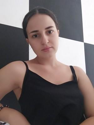 Alena_