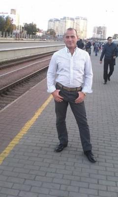 Ростислав Новиков